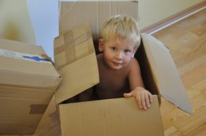 child-559378-moving-day